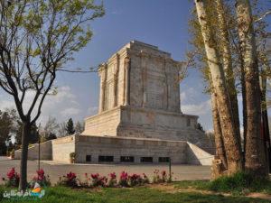 السياحة في إيران ضريح فردوسي محافظة خراسان الرضوية