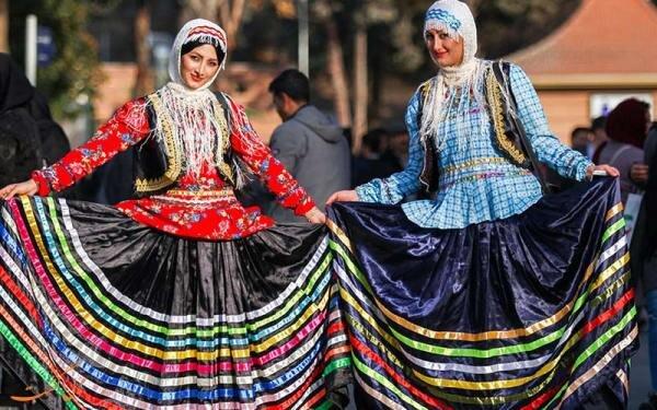 ملابس السكان شمال إيران