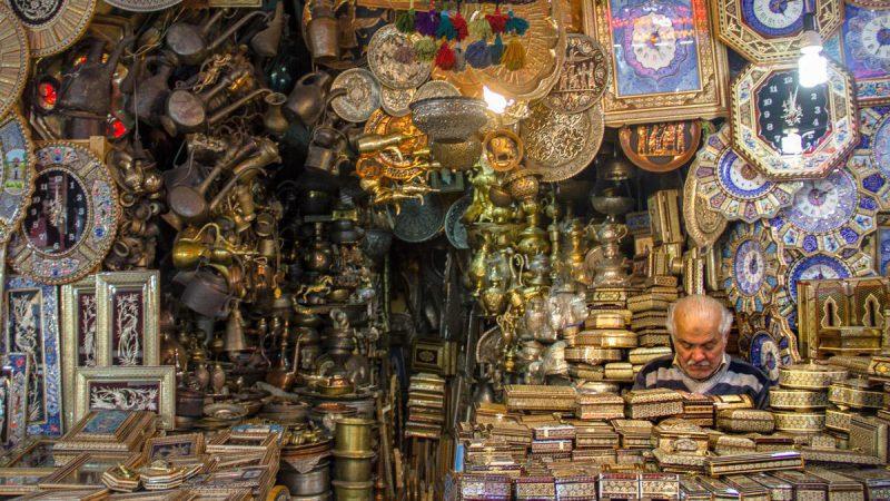 ابحث عن البساط والسجاد والمجوهرات والتوابل والنحاس في بازارات إيران