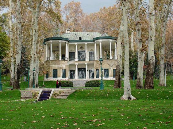 قصر نياوران