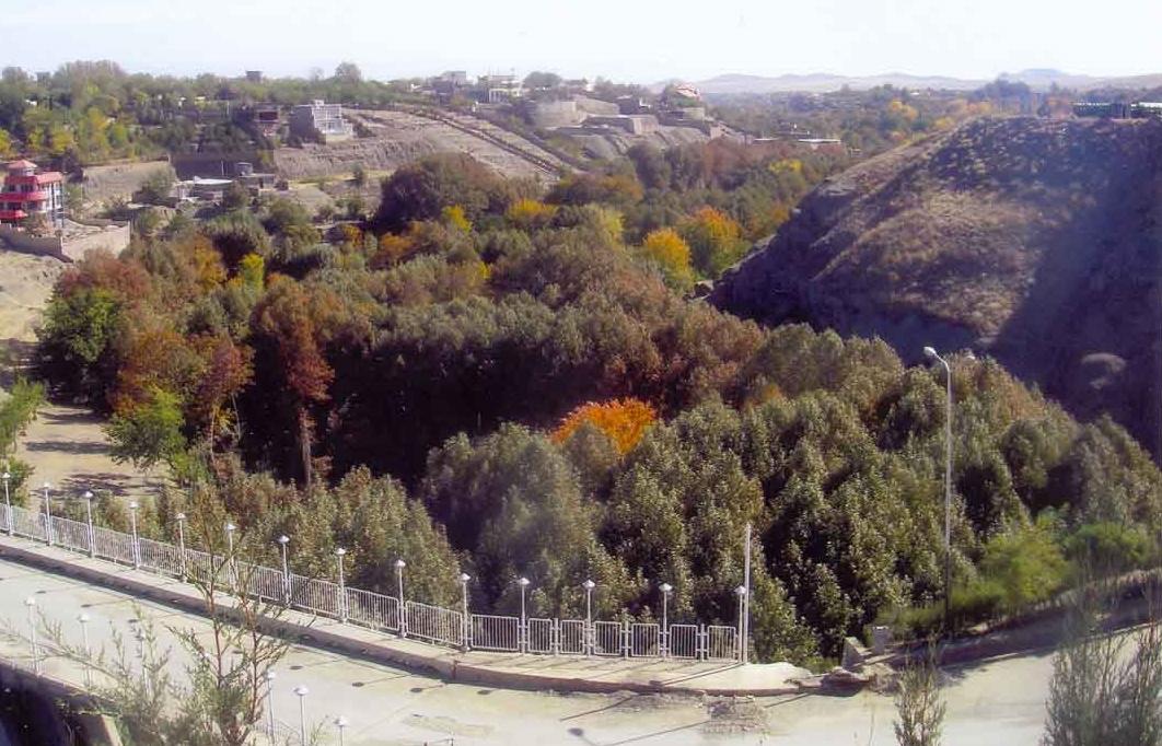 قرية شانديزفي مشهد