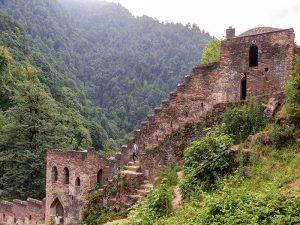تعرف على قلعة رودخان (القرية الصينية) في شمال إيران -السياحة في شمال إيران