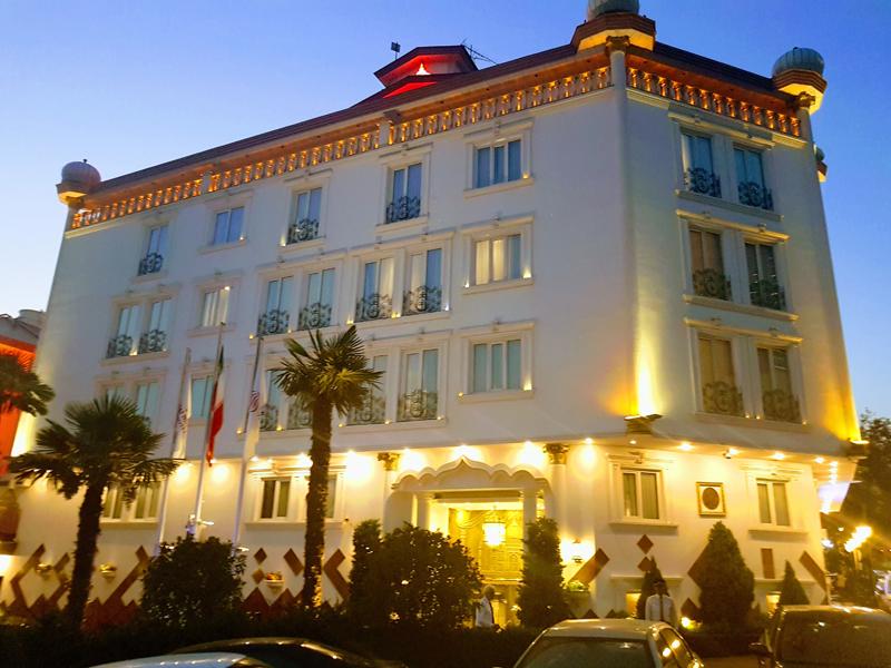 جراند هتل في طهران ، فنادق تهران ، فندق في طهران رخيص ، افضل فنادق في إيران