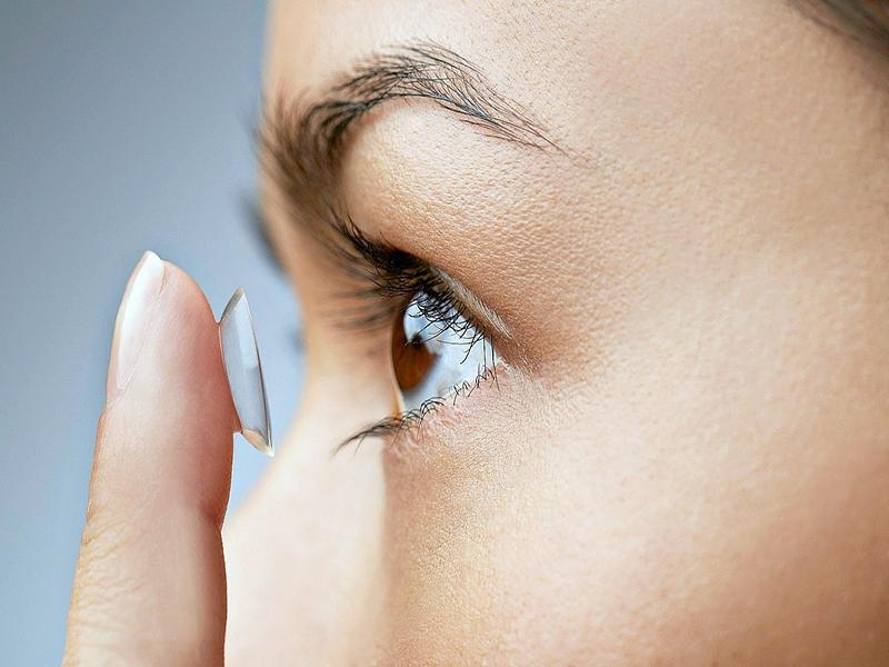 علاج العين في إيران