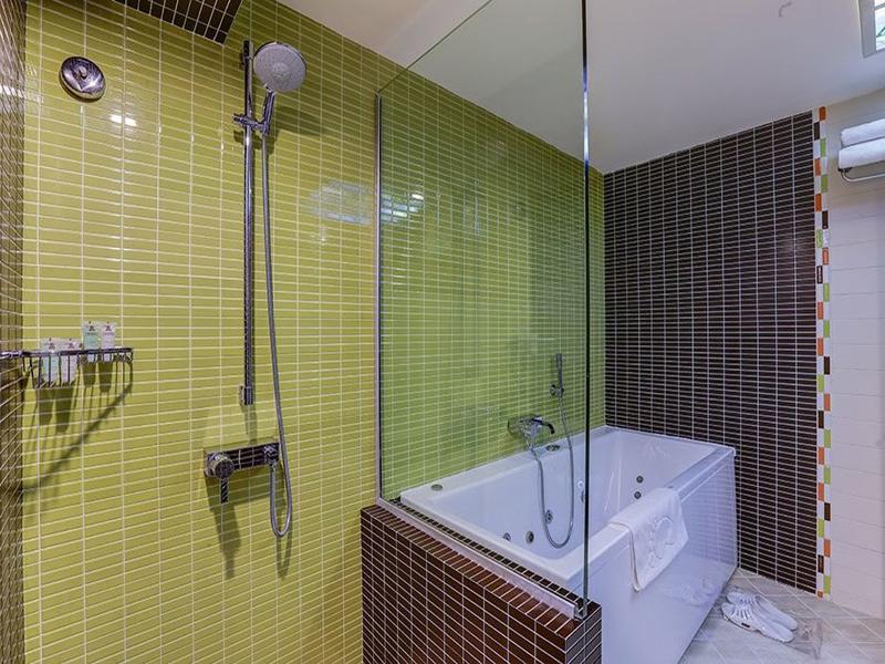 فندق بارسيان إوين في طهران ، فنادق تهران ، فندق في طهران رخيص ، افضل فنادق في إيران