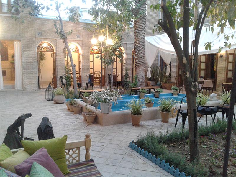 فندق درب شازده في شيراز بالصور