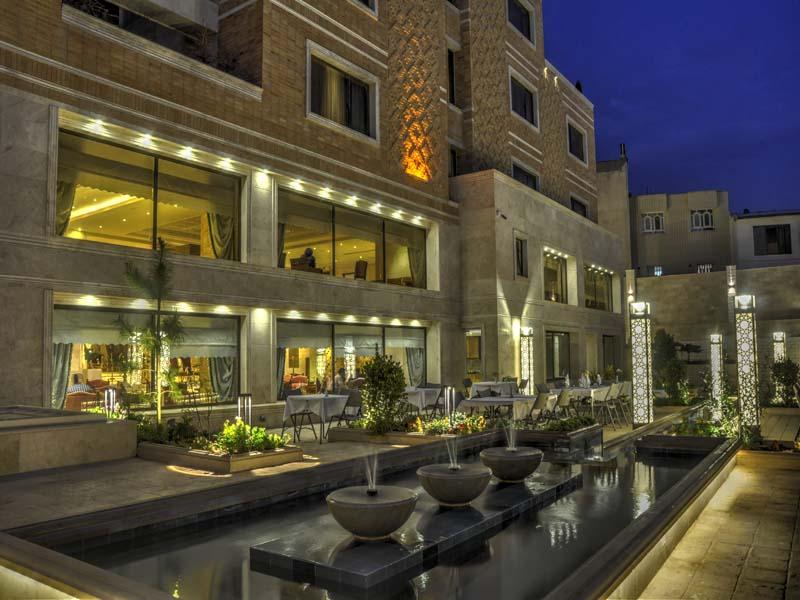 فندق زندية في شيراز