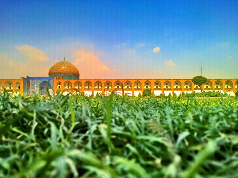 مسجد الشيخ لطف الله في ميدان نقش جهان