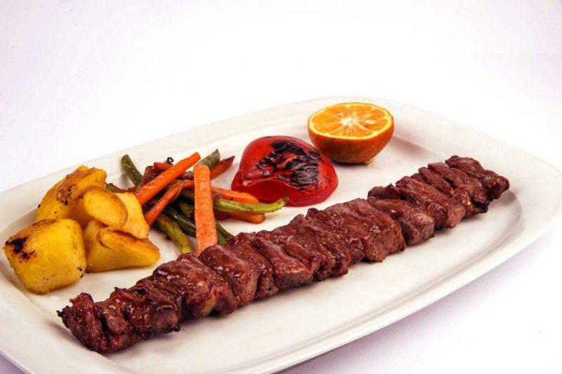 كبابأطعمة إيرانية لذيذة