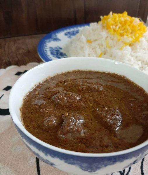 أطعمة إيرانية لذيذةخورشت فسنجان (مرق فسنجان)