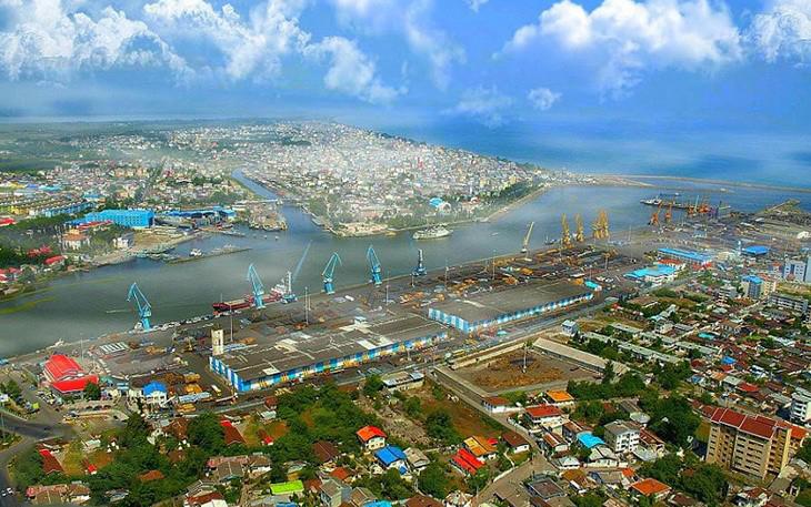 ميناء انزلي في شمال إيران