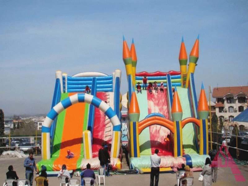 مدينة ألعاب الأطفال في نمك آبرود