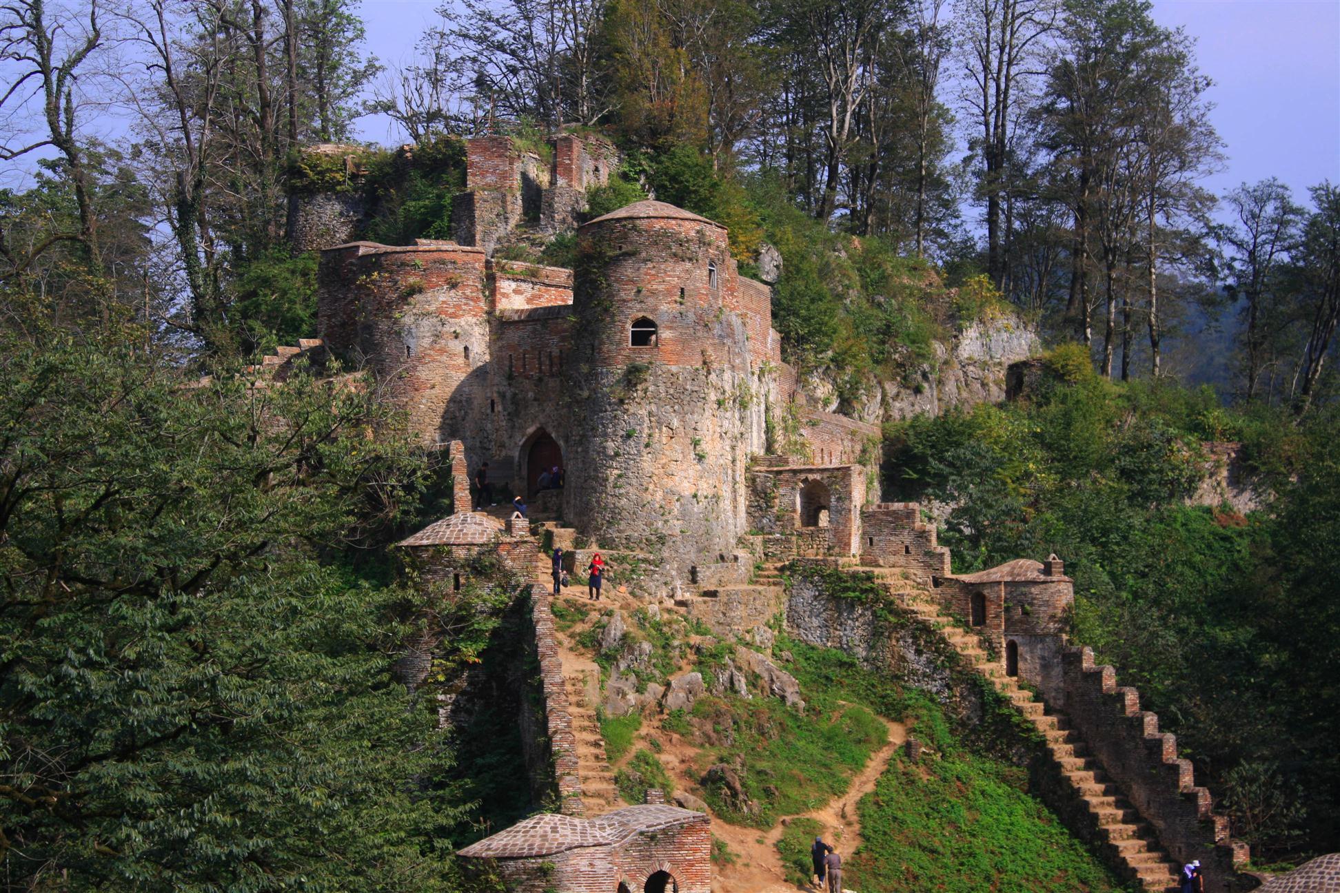 أماكن السياحية في محافظة جيلان-قلعة رودخان