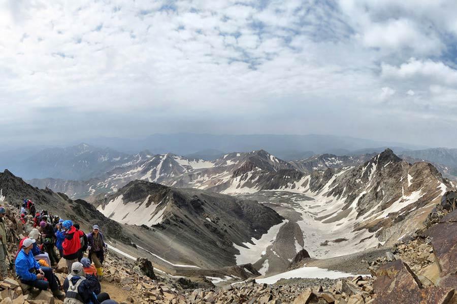 علم كوه ثاني أعلى قمة في إيران