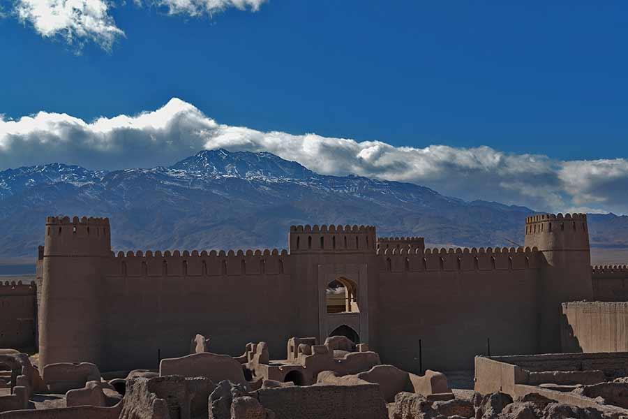 قمة هراز ، قمة في الجبال الوسطى لإيران