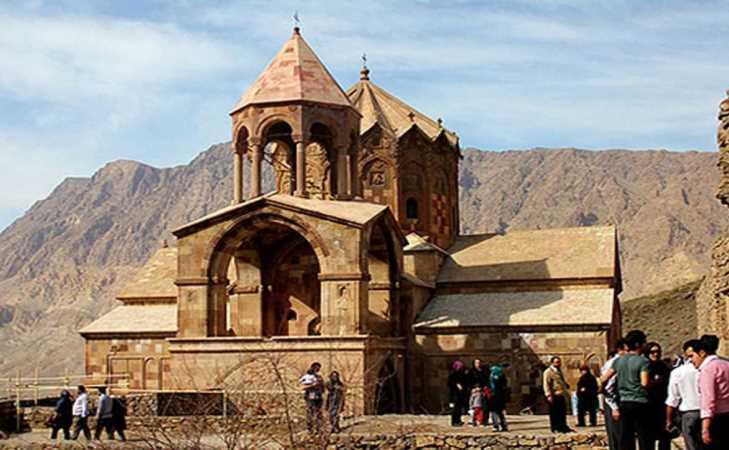 كنيسة سنت إسبانوس في مدينة آذربيجان الشرقي الإيرانية