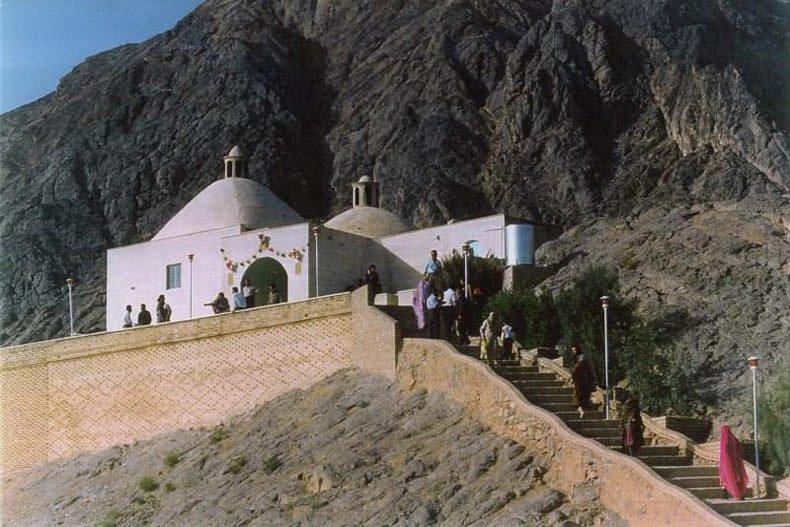 مقبرة بيرهريشت في مدينة يزد الإيرانية