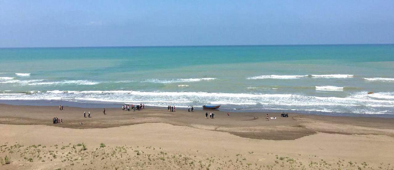 شاطئ محمود آباد في شمال إيران