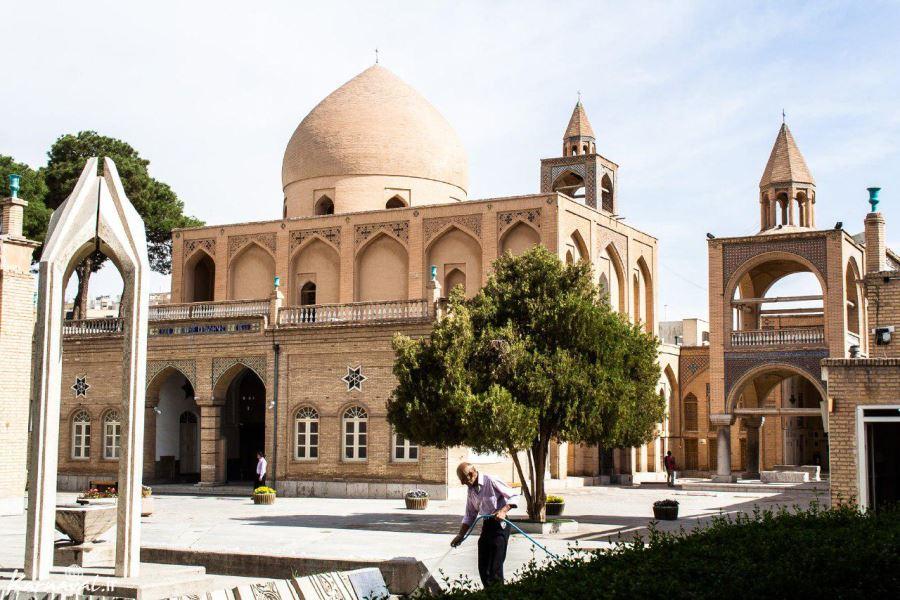 أين أجمل الكنائس في إيران؟