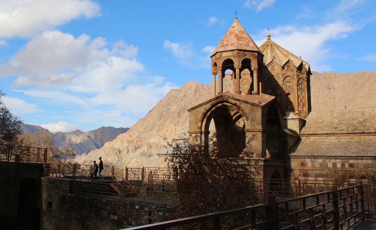 سنت استبانوس ، قلعة ضد الأعداء